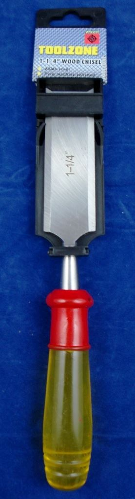 "Toolzone 1 1/4"" Wood Chisel Clear Handle"